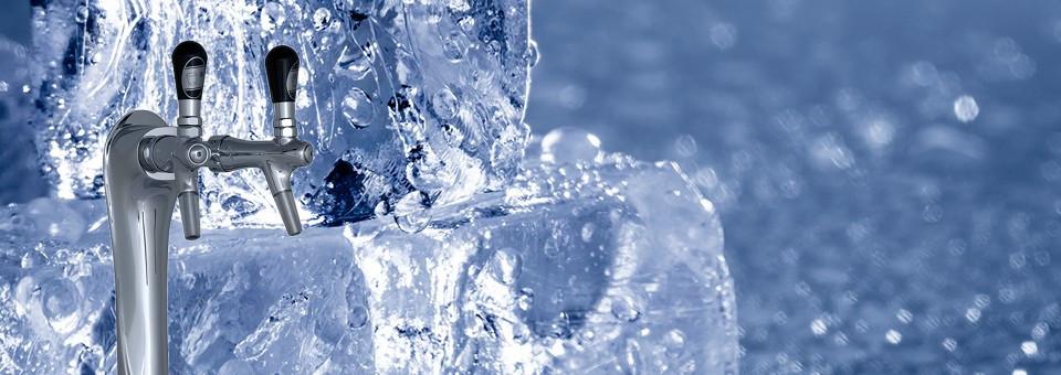 Vattenautomater. Kolifiltrerat, kylt och kolsyrat vatten.